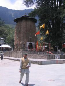マニマヘーシュ寺院